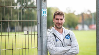 Michael Bischof (Sportlicher NLZ-Leiter), Portrait, Portraet, Porträt, Kopf.  GES/ Fussball/ Karlsruher SC, Nachwuchsleistungszentrum 02.09.2,020