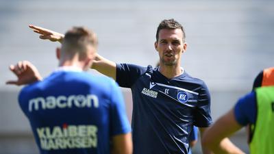Abfahrt ohne Pourié: KSC-Trainer Christian Eichner wird im Trainingslager auf den Stürmer verzichten.