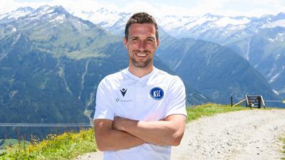 Hoch hinaus: KSC-Cheftrainer Christian Eichner stellte sich am Samstag auf dem Wildkogel dem BNN-Interview.