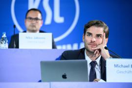 Zahlen über Zahlen: KSC-Geschäftsführer Michael Becker bei der Ordentlichen MGV des Karlsruher SC, die virtuell abgehalten wurde.