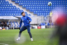 Warmmachen für mehr: Der vom Hamburger SV ausgeliehene Xavier Amaechi möchte spielen und muss sich auch beim Karlsruher SC gedulden.