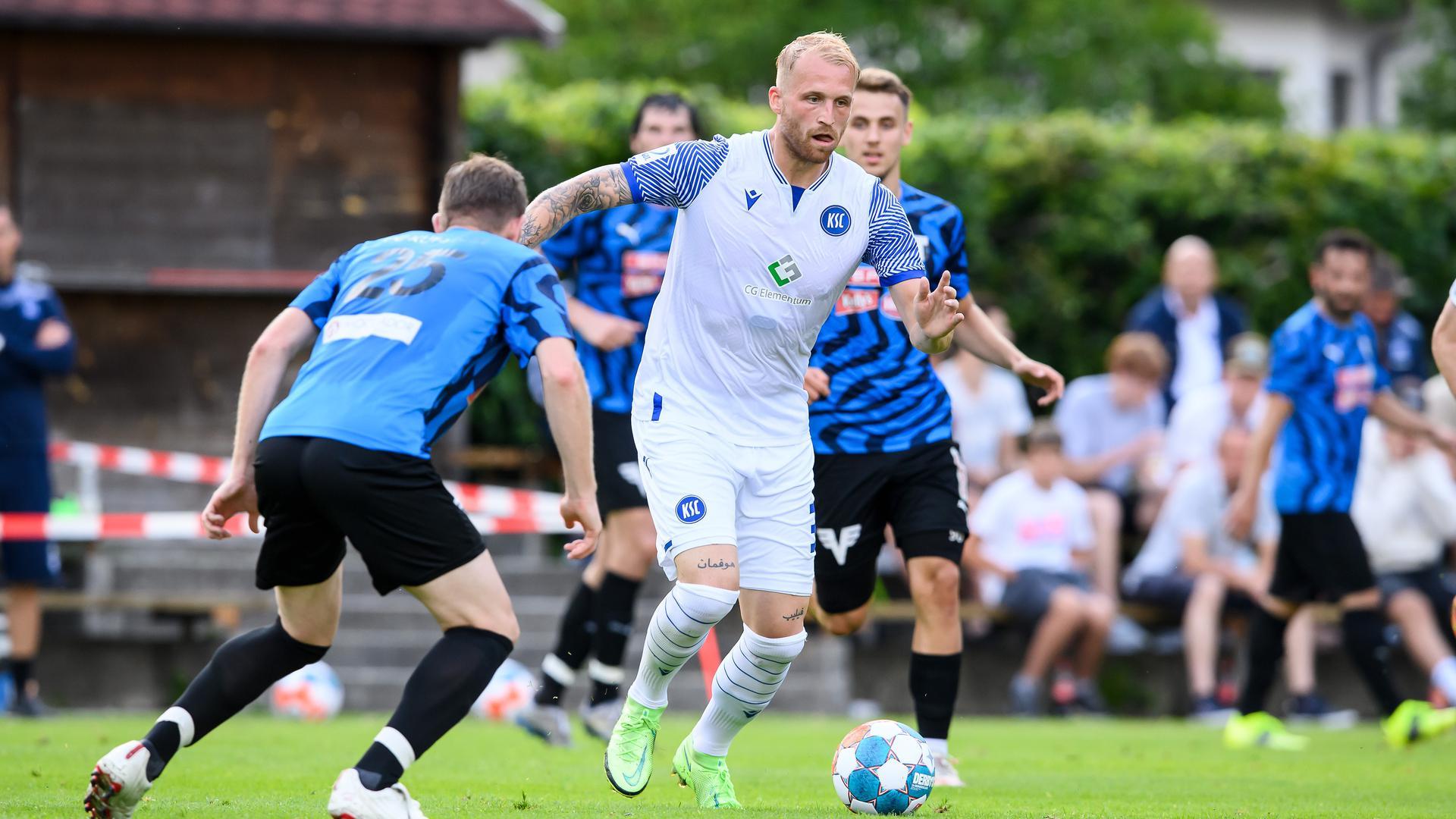 Hängepartie droht: Um die Zukunft von Philipp Hofmann ranken sich weiter Unklarheiten. Der KSC denkt an eine Deadline.