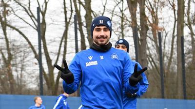 """Wohlfühlklima beim KSC: Malik Batmaz fühlt sich im Wildpark wohl und nennt den Trainer Christian EIchner als """"großen Faktor"""" für seine Vertragsunterschrift."""