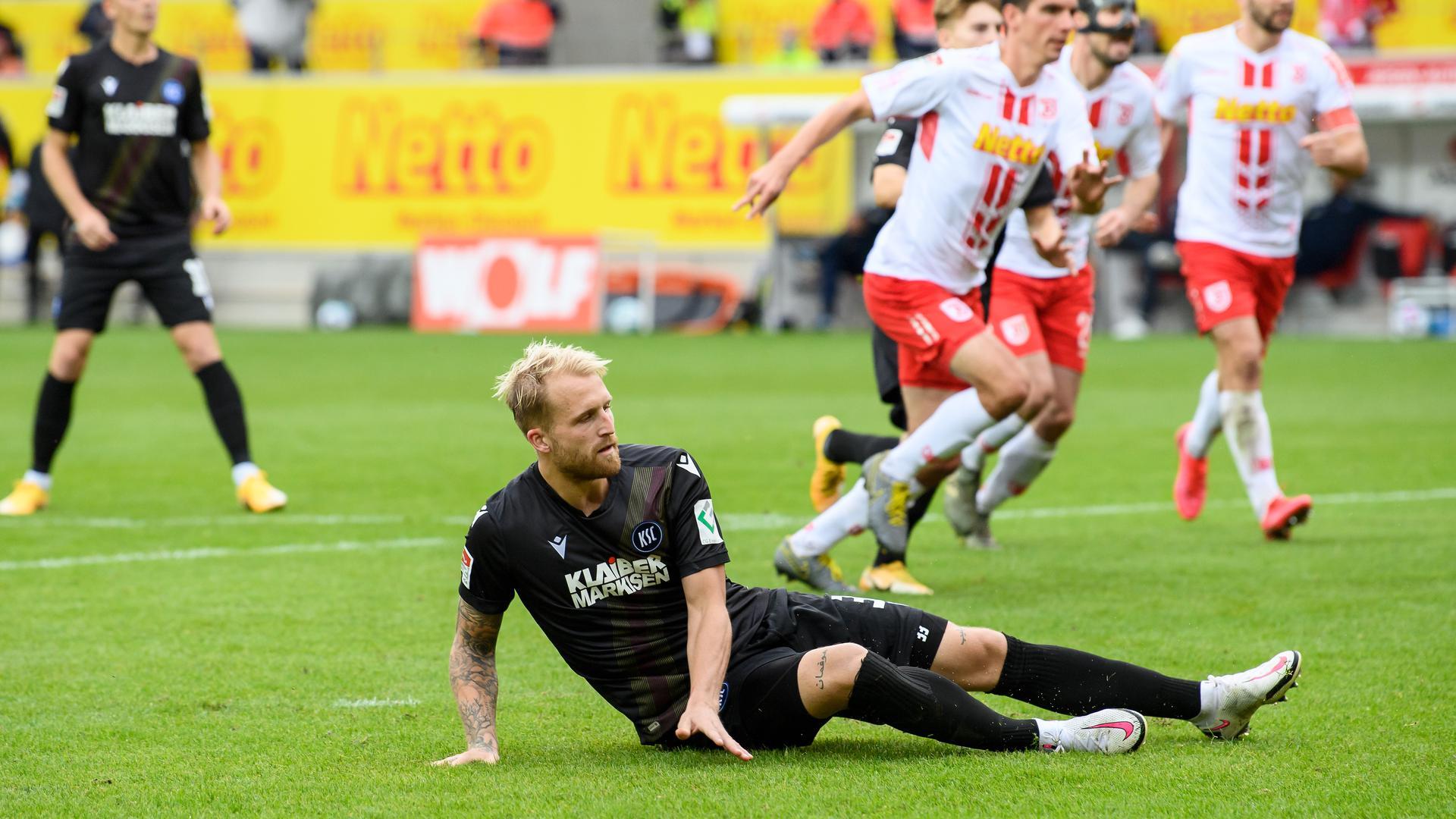 Auch Philipp Hofmann konnte die Torflaute des KSC nicht beenden, der in Regensburg die dritte Liga-Pleite hinnehmen musste.