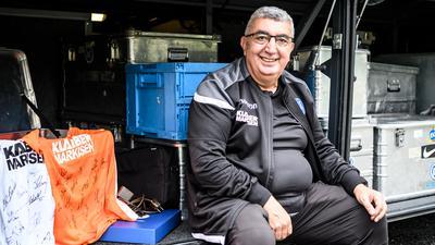 Abfahrt Richtung Ruhestand: Zeugwart Hüseyin Cayoglu hat in fünf Jahrzehnten unter über 30 Cheftrainern beim KSC gearbeitet.