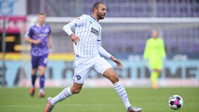 Einzelaktion, Freisteller Daniel Gordon (KSC).  GES/ Fussball/ 2. Bundesliga: VfL Osnabrueck - Karlsruher Sport-Club, 05.12.2020  Football / Soccer: 2nd League: VfL Osnabrueck vs Karlsruher Sport-Club, Osnabrueck, December 5, 2020
