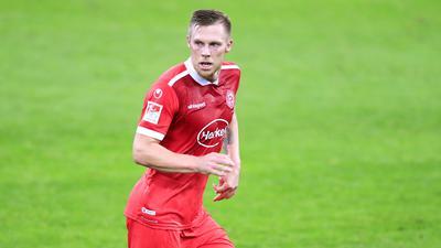 Immer auf der Lauer: Düsseldorfs Stürmer Rouwen Hennings ist auch mit 33 für jede Zweitliga-Abwehrreihe en unangenehmer Gegner.