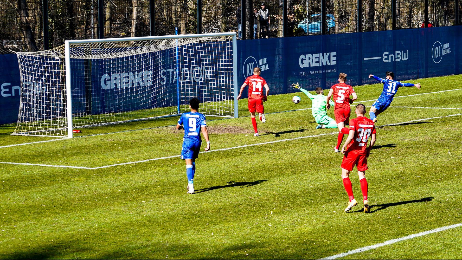 Doppelt erfolgreich: Malik Batmaz traf im Testspiel des KSC gegen den 1. FC Kaiserslautern gleich zweimal.