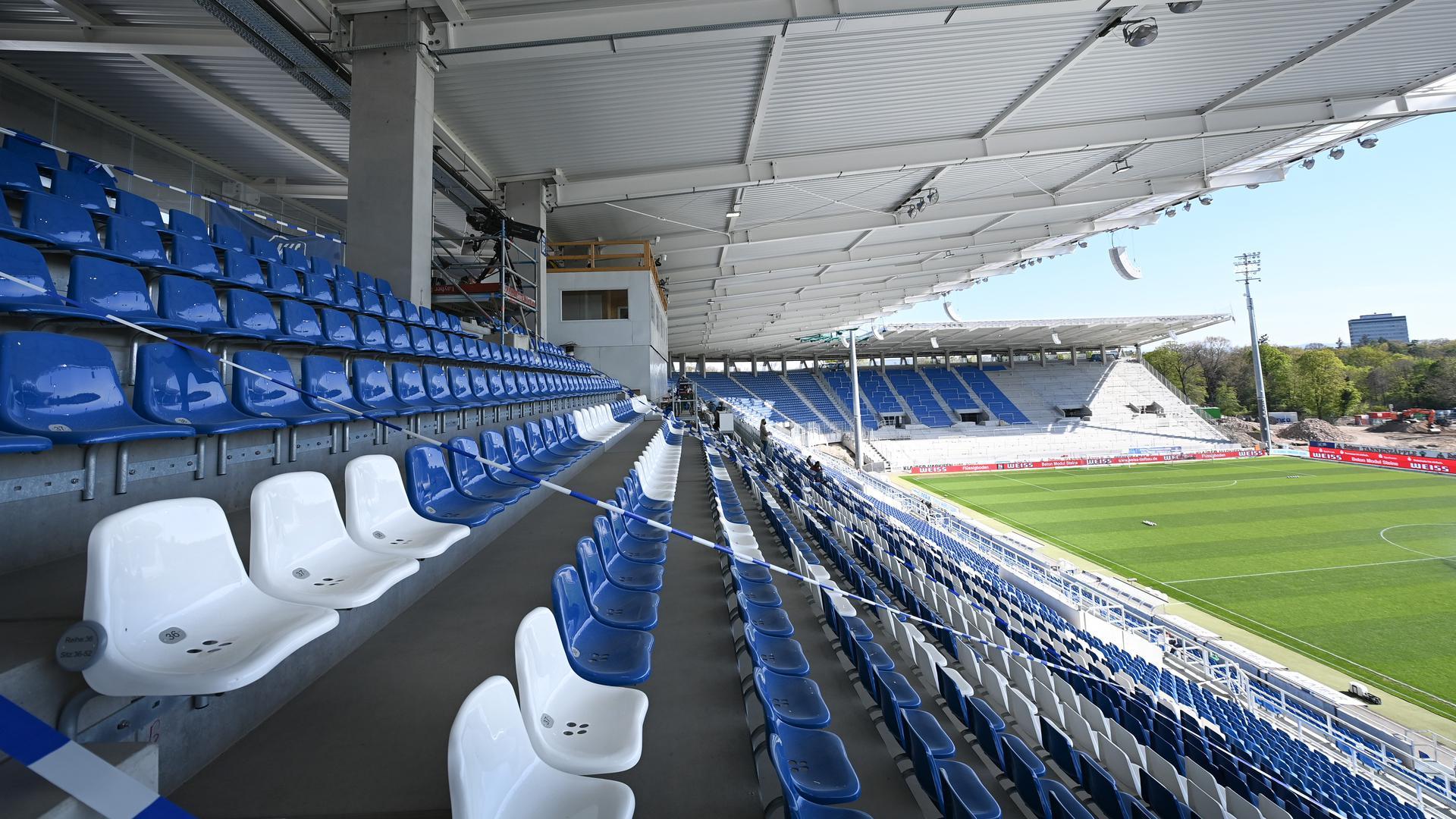 Stadionuebersicht Wildparkstadion Karlsruhe  GES/ Fussball/ 2. Bundesliga: Karlsruher SC - Erzgebirge Aue, 26.04.2021  Football / Soccer: 2nd League: Karlsruher SC vs Erzgebirge Aue, Karlsruhe, April 26, 2021