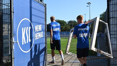 Feature.  GES/ Fussball/ 2. Bundesliga: KSC Training, 07.08.2020  --  Football/ Soccer 1st Division: KSC Practice, Karlsruhe,  Aug 07, 2020 -- DFL regulations prohibit any use of photographs as image sequences and/or quasi-video.