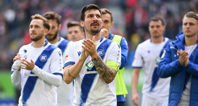 Der Blick geht nach vorne: Kapitän Jérôme Gondorf und der KSC wollen am Mittwoch im Pokal-Duell mit Bayer Leverkusen ein anderes Gesicht zeigen, als am Wochenende beim 1:3 in Düsseldorf.