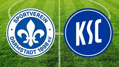 Vereinslogos des SV Darmstadt 98 und des KSC vor dem Hintergrund eines Fußballfeldes