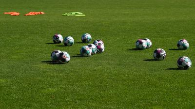 Feature, Schmuckbild, Hintergrund, Hintergrundbild, Symbol, Symboldbild.  GES/ Fussball/ 2. Bundesliga: KSC Training, 07.08.2020  --  Football/ Soccer 1st Division: KSC Practice, Karlsruhe,  Aug 07, 2020 -- DFL regulations prohibit any use of photographs as image sequences and/or quasi-video.