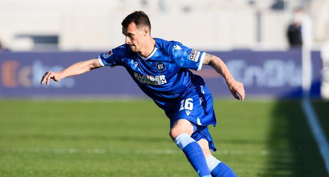 Im Grundsatz einig: Philip Heise wird wohl auch in den kommenden beiden Jahren das Trikot des Karlsruher SC tragen.