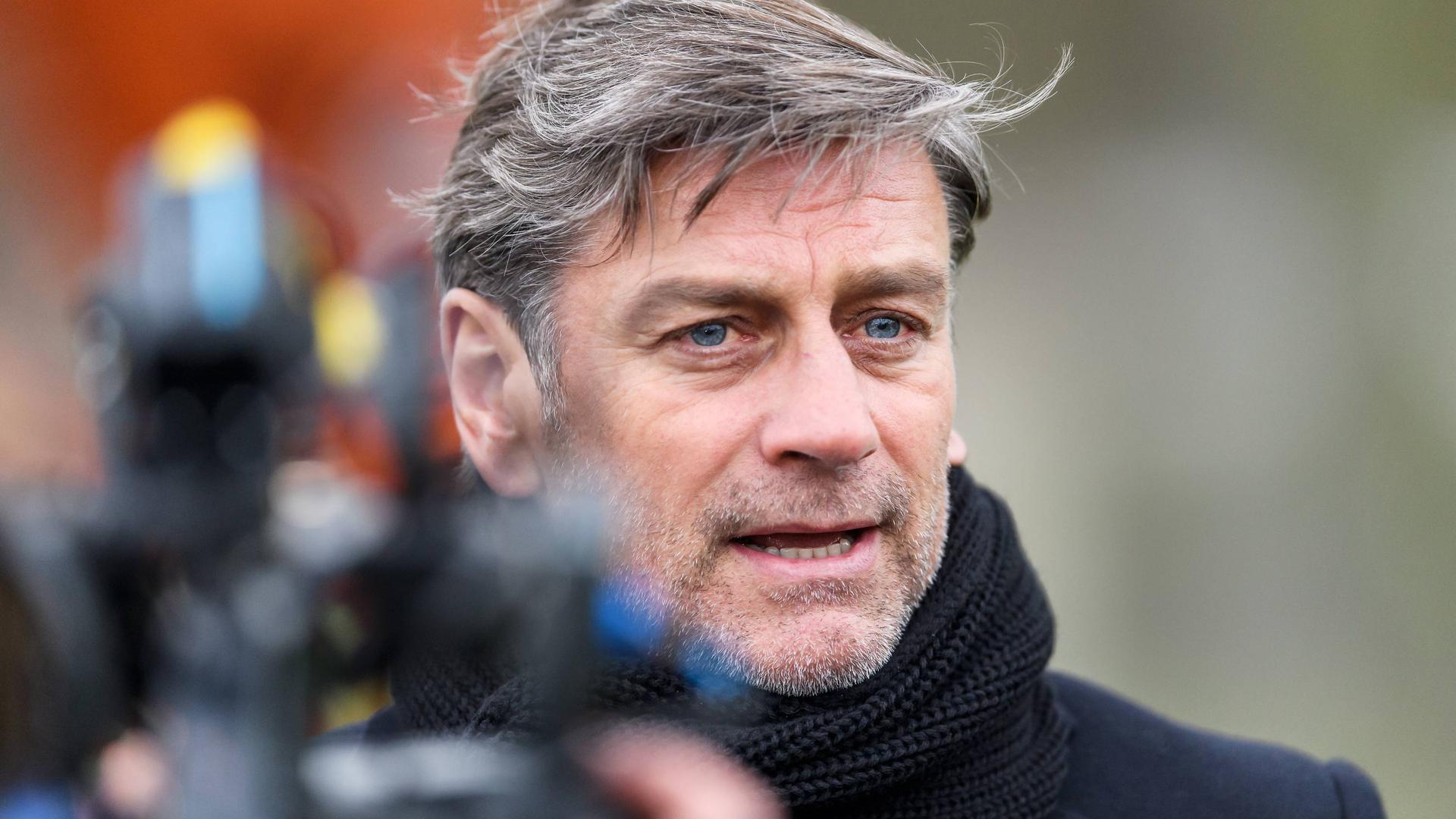Erleichtert ist KSC-Sportchef Oliver Kreuzer, dass die Politik grünes Licht für den Bundesliga-Neustart gegeben hat.