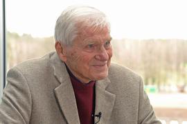 Als Dauerläufer bekannt: Heinz Ruppenstein, der mit dem Karlsruher SC 1956 Pokalsieger wurde, feiert an diesem Donnerstag seinen 90. Geburtstag.