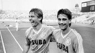 """Routinier und Junior-Partner: Abwehrspieler Srecko Bogdan (links) sah anfangs Oliver Kreuzer als seine """"rechte Hand"""" beim KSC an."""