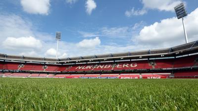 Leere Ränge in Nürnberg: Das Gesundheitsamt ordnete am Dienstag an, dass zum Gastspiel des Karlsruher SC am Freitag beim Club keine Zuschauer zugelassen werden.
