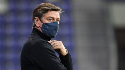 Sportchef bis 2023: Oliver Kreuzer hat seinen Vertrag beim Fußball-Zweitligisten Karlsruher SC am Freitag vor dem Heimspiel der Karlsruher gegen die Spvgg Greuther Fürth bis Ende Juni 2023 verlängert.