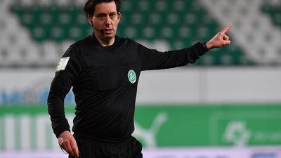 Nie mehr KSC: Fifa-Schiedsrichter Manuel Gräfe pfiff seit dem Relegationsrückspiel vor fast sechs Jahren kein Spiel mit Karlsruher Beteiligung.