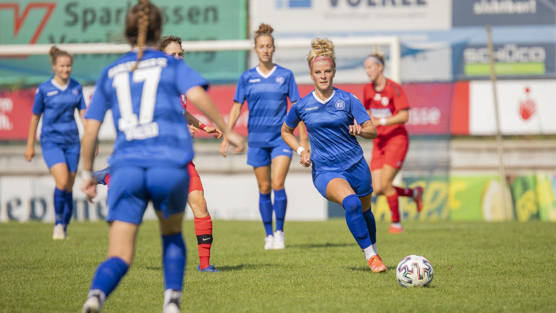Foto: Simone Kochanek; Bruchsal; DEU; 19.09.2021; Fussball, Frauen RL Sued Staffel 1:  Karlsruher SC - SC Sand 2; im Bild: Nele Schomaker (Karlsruher SC, #7)