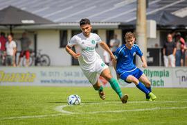 Zurück im Waldstadion: Ayhan Akdemir (links) war zwischenzeitlich für den VfR Mannheim aktiv, spielt jetzt mit zwei weiteren Rückkehrern aber wieder für den FC Kirrlach.