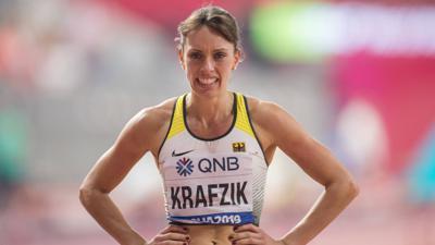 02.10.2019, Katar, Doha: Leichtathletik, IAAF Weltmeisterschaft im Khalifa International Stadium: 400 Meter Hürden, Frauen, Halbfinale. Carolina Krafzik aus Deutschland nach dem Rennen. Foto: Oliver Weiken/dpa +++ dpa-Bildfunk +++ | Verwendung weltweit