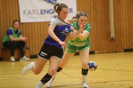 Momentan packen Mareike Ast (rechts) und die Handballerinnen der TG 88 Pforzheim noch in der Dritten Liga beherzt zu. Doch das könnte sich womöglich bald ändern, die Clubs kritisieren Pläne des Verbands.