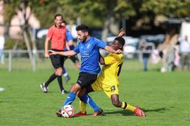 Doppeltorschütze Noureddine vom SV Philippsburg hier gegen Igubor vom Spvgg Oberhausen