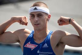 Leichtathletik: Deutsche Meisterschaft, DM, Eintracht Stadion. 400 m Hürden, Finale, Männer. Constantin Preis jubelt im Ziel. +++ dpa-Bildfunk +++