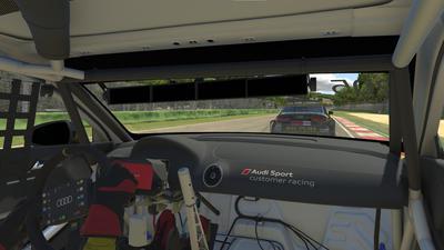 Blick im Rennen aus der Fahrerperspektive