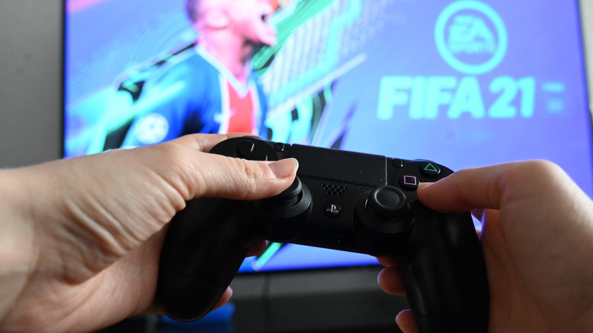 Fingerfertigkeit gefordert: Zwar ist eSports in Deutschland bislang nicht als offizielle Sportart anerkannt, der 1. CfR Pforzheim möchte dennoch mit der Entwicklung gehen und künftig eine eigene Abteilung im Verein ansiedeln.