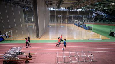 Training in Zeiten von Corona in der Europhalle.   Training der LG Region Karlsruhe, Europhalle. GES/ Leichtathletik/ Training LGR Karlsruhe, 19.01.2021