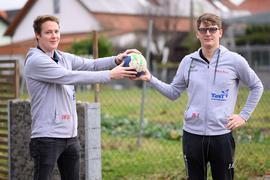 Lukas Wolter (l.)  und Justin Seitz (r.) von der HSG LiHoLi (HSG Linkenheim Hochstetten Liedolsheim)  GES/ Handball/ Ehrenamt, 07.01.2021