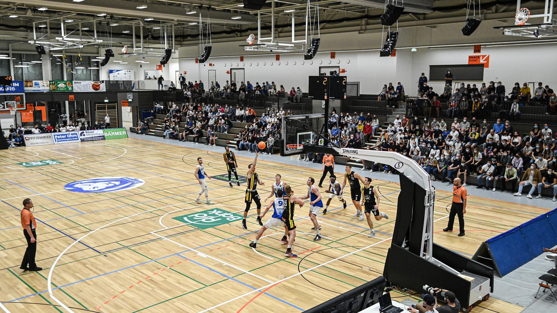 Die Lina-Radke-Halle in Karlsruhe feierte beim Heimsieg der PSK Lions gegen die Kirchheim Knights ihre Veranstaltungs-Premiere.