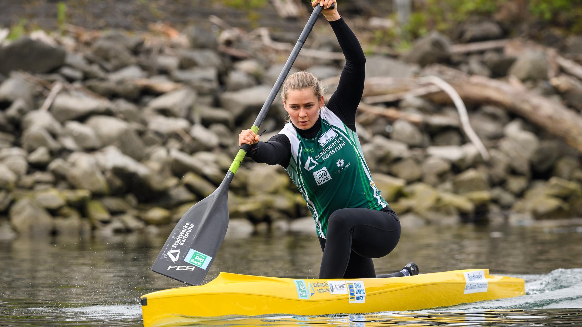 Sophie Koch beim Training im Boot.