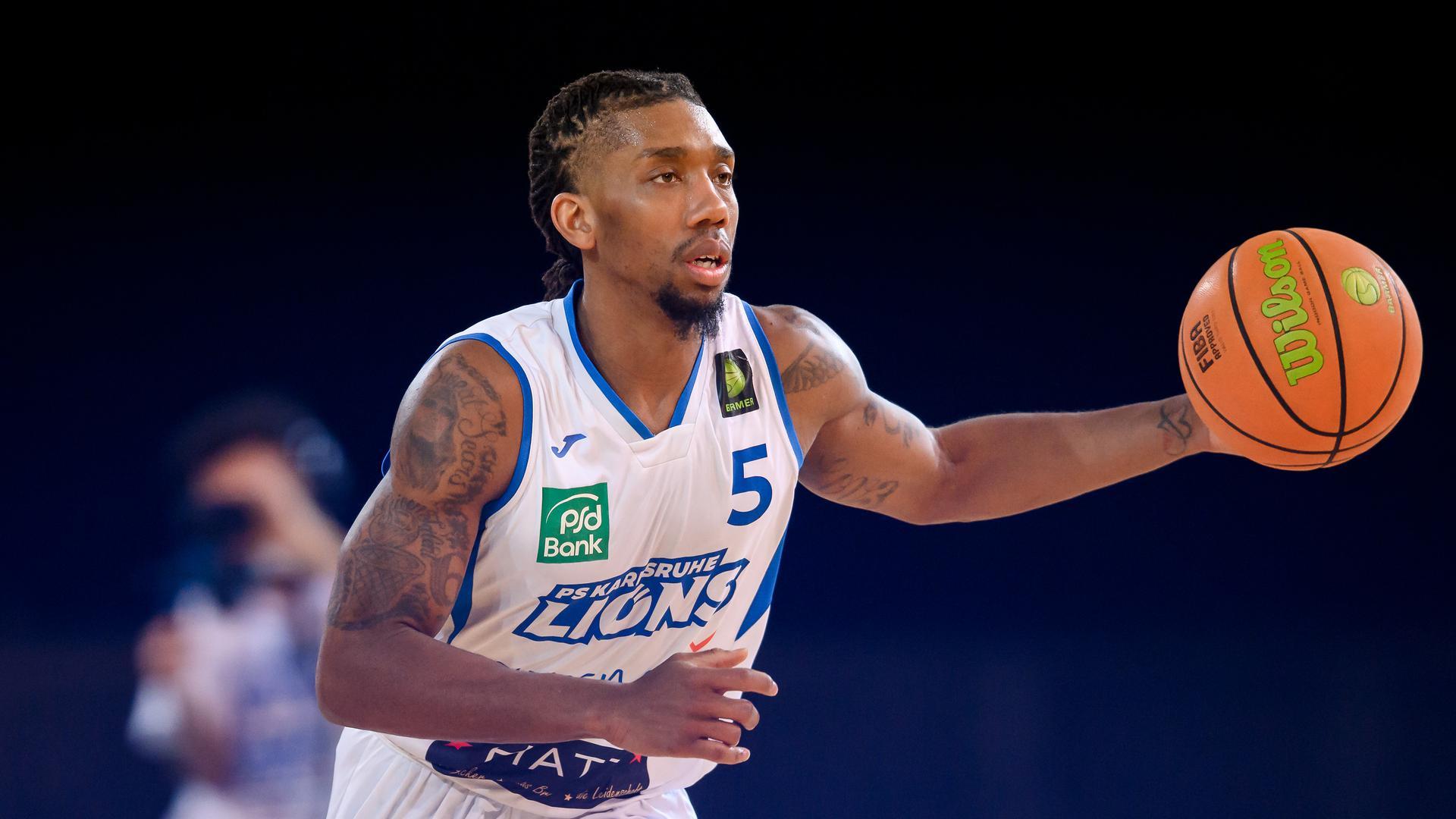 Gregory Clay Foster (Lions) Einzelaktion, Freisteller.  GES/ Basketball/ ProA: PSK Lions - MLP Academics Heidelberg, 07.03.2021 --