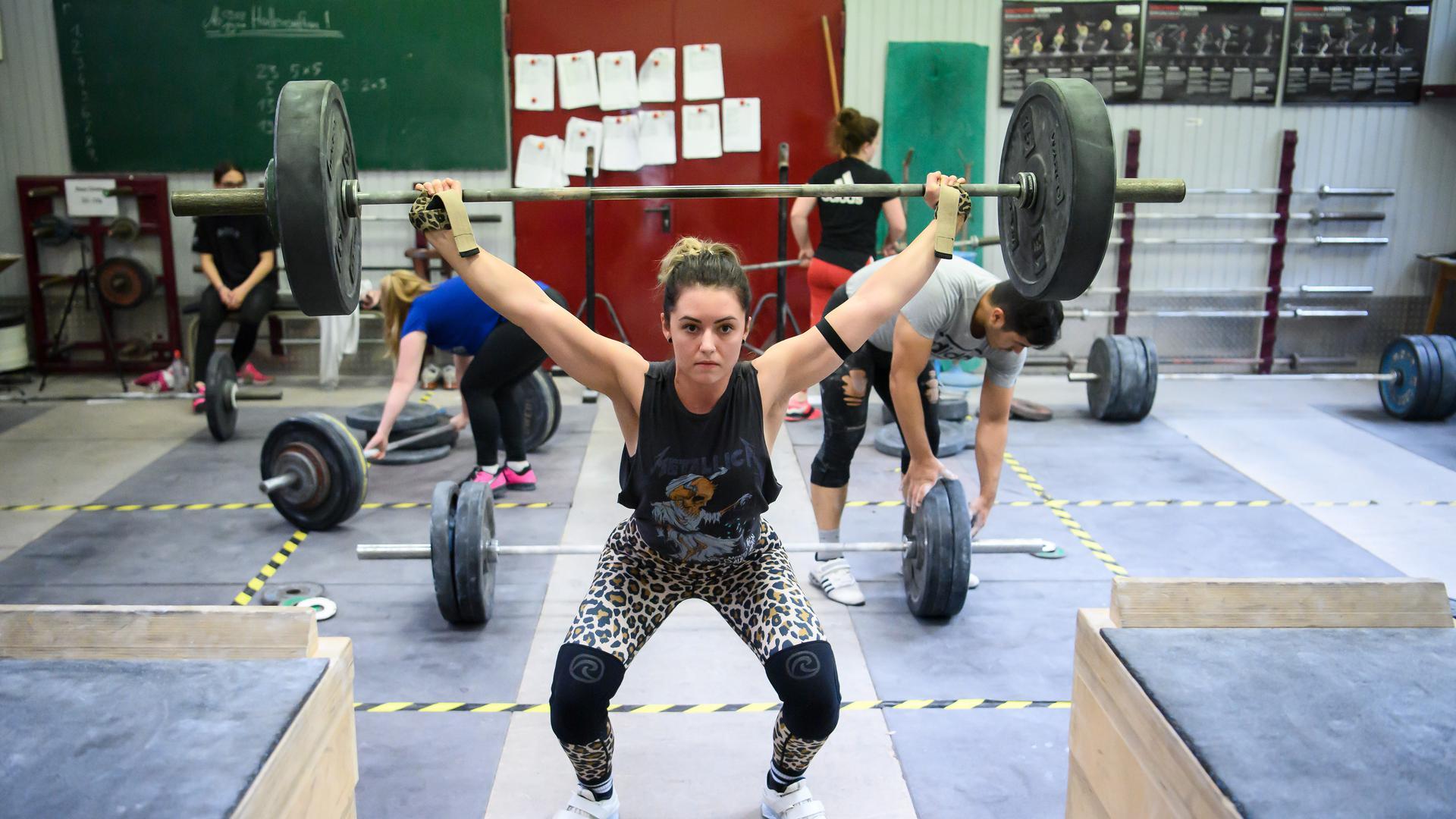 Vanessa Schaub in Aktion.  GES/ Gewichtheben/ KSV Durlach - Training, 09.08.2021