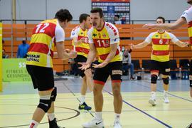 Erfolgreich im Kollektiv:  Mittelblocker Leon Zimmermann (Mitte) war im vergangenen Sommer aus Friedrichshafen zu den Baden Volleys nach Karlsruhe gewechselt.