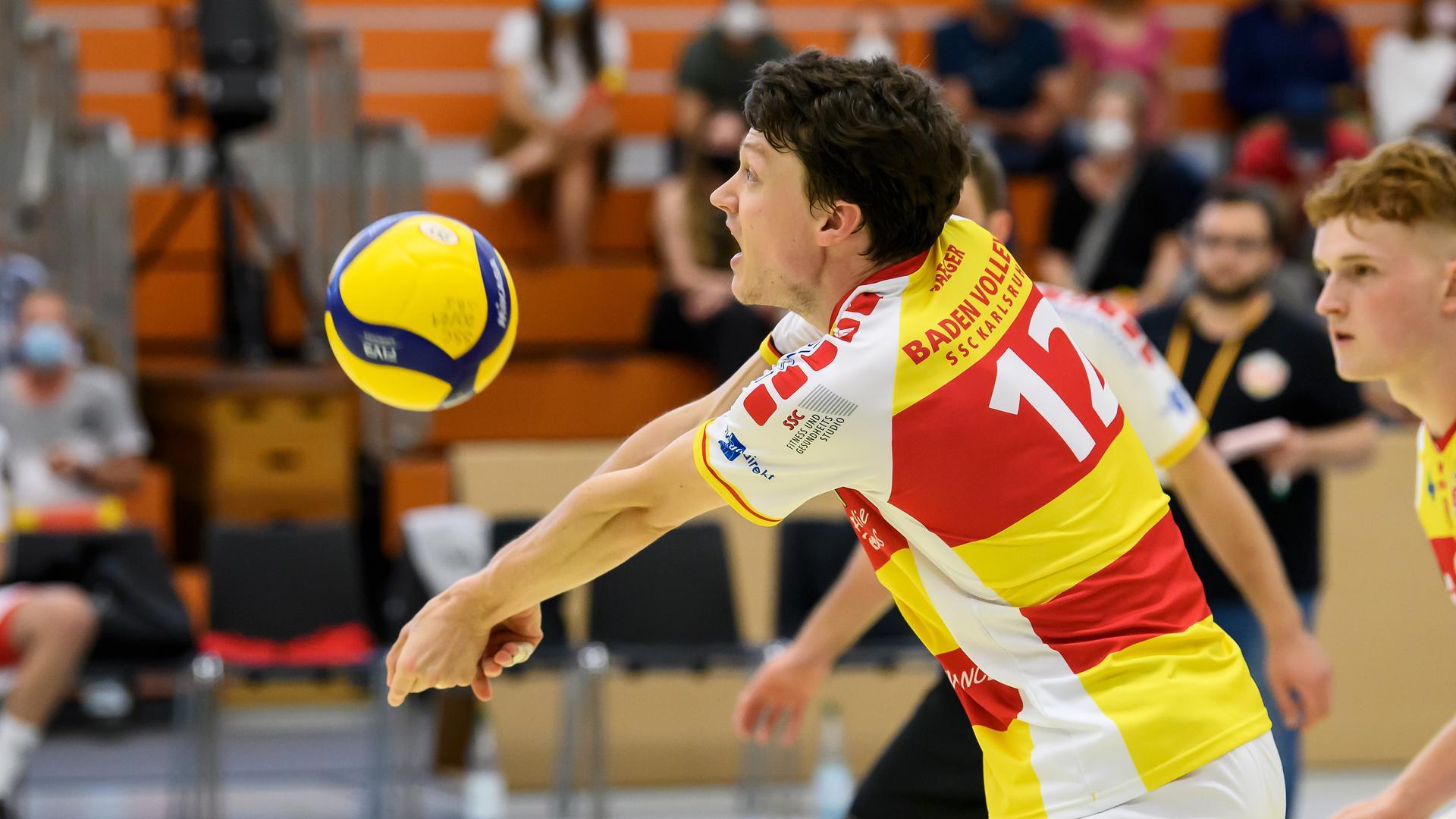 Lukas Jaeger fuhr mit den Baden Volleys bei der TG Mainz-Gonseneheim den zweiten glatten Saisonsieg ein.