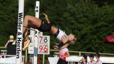 Knapp gerissen: Die nun zweimalige Bühl-Siegerin Erika Kinsey bei ihrem letzten Versuch über 1,96 Meter, bei dem sie am Ende noch die Stange mit den Füßen berührte.