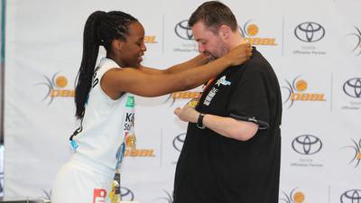 Mayombo Emmanuella_Steidl Dirk erhielt Medaille Rutronik Stars Keltern2