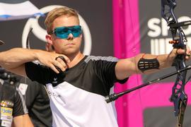 Konzentriert: Der Karlsbader Bogenschütze Cedric Rieger gilt als heißer Anwärter für einen der Startplätze bei den Olympischen Spielen im nächsten Jahr.
