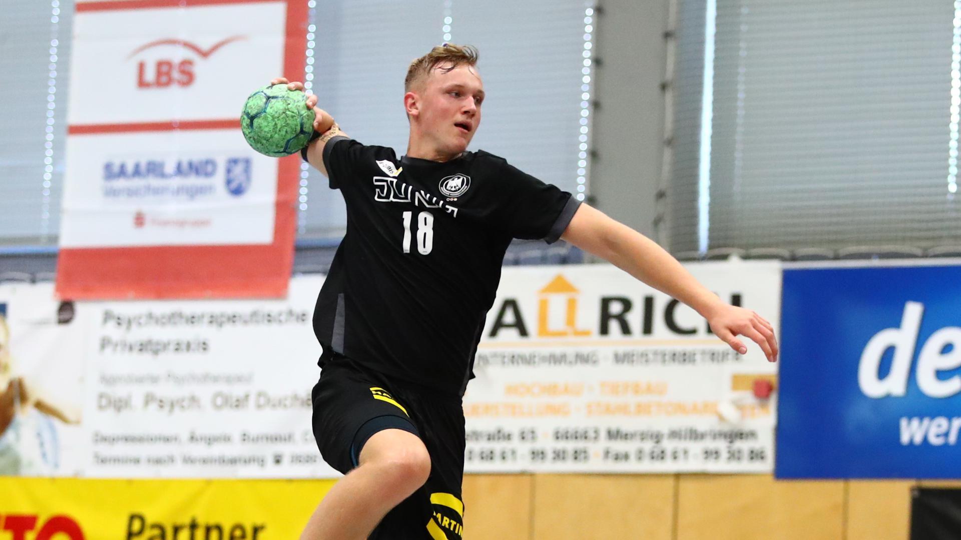 Voll fokussiert: Nico Schöttle ist mit der U19-Auswahl des Deutschen Handball-Bundes (DHB) in die Hauptrunde der Europameisterschaft eingezogen.
