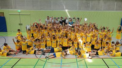 Riesige Begeisterung: Die Grundschul-Handball-Liga ist in den vergangenen Jahren konsequent gewachsen und hat in Zeiten vor Corona, wie hier im Bild, für große Freude bei allen Beteiligten gesorgt.