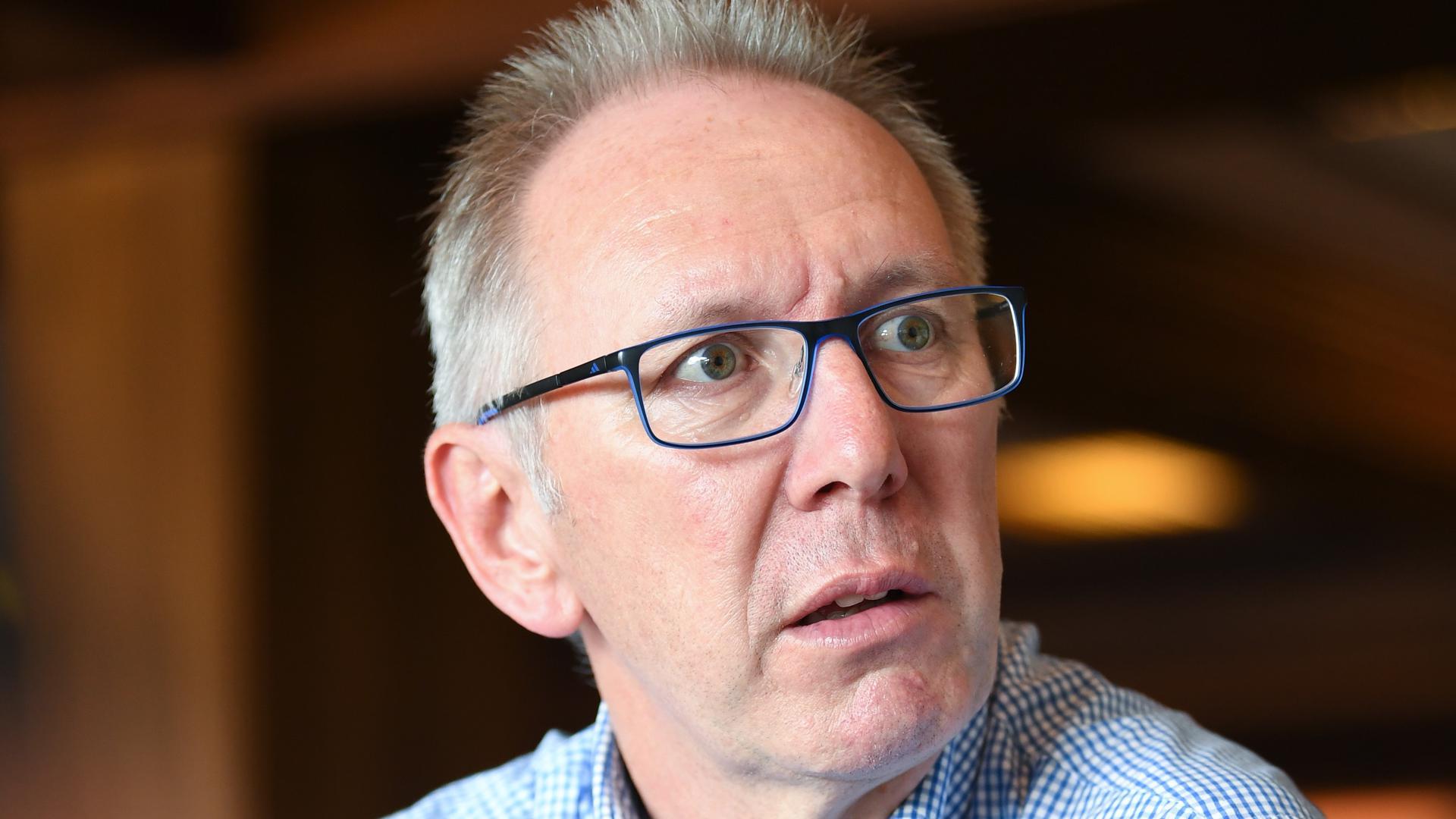 Thomas Roessler (Kreisvorsitzender Fussballkreis Karlsruhe), Portrait, Portraet, Porträt, Kopf .  GES/ Sportart/ BNN-Interview Praesidenten Fussballkreis Bruchsal und Karlsruhe, 30.07.2018