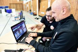 10.10.2021 Volleyball Scout Ercan Keskin mit Chefcoach Bonelli. Sporthalles des OHG in der Waldstadt