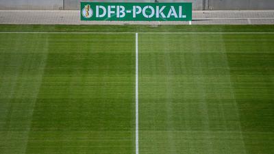 Die DFB-Pokalpartie zwischen Waldhof Mannheim und dem SC Freiburg findet trotz Corona-Fällen statt.