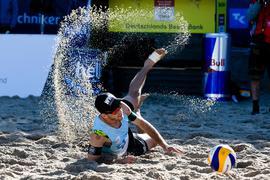 Clemens Wickler landet im Sand.
