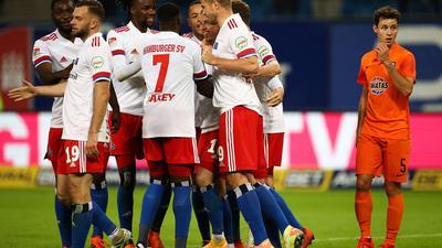 Der HSV feierte im Nachholspiel gegen Erzgebirge Aue einen souveränen Heimsieg.